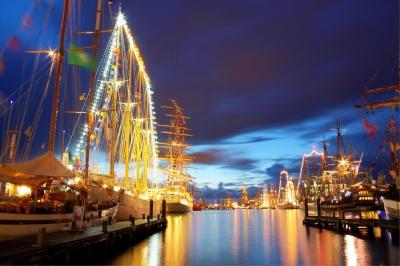 Sail 2010  Bremerhaven (Nacht) - HDR / siehe Beschreibung!