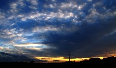 Windkraft bei Sonnenuntergang