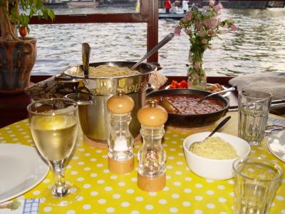 Italienische Pasta auf holländischem Hausboot