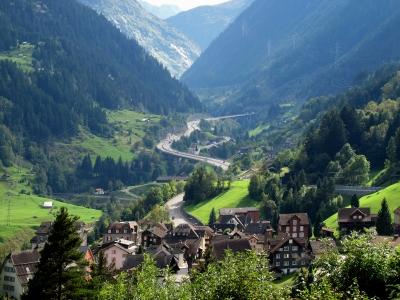 Gotthard-Autobahn bei Wassen