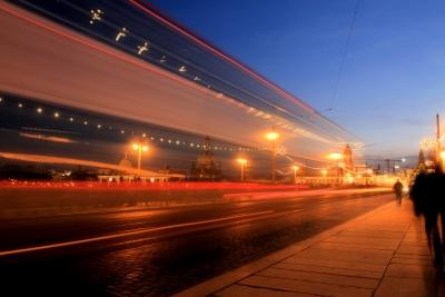 Verkehr am Abend oder Erster Advent in Dresden
