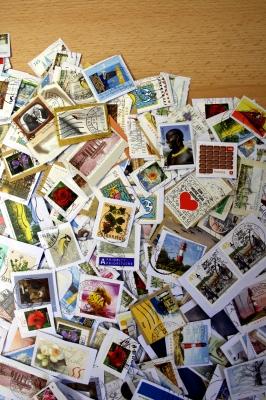 Fleißiger Briefmarkensammler