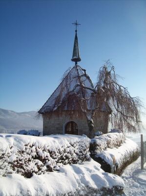 Verschneite Ölbergkapelle