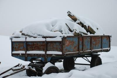 Anhänger im Schnee