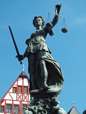 Gerechtigkeitsbrunnen Frankfurt-Römerberg