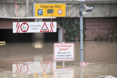 """""""Unterwasser"""" Tiefgarage"""
