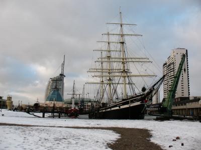 Bremerhaven Havenwelten von Museumshafen aus gesehen