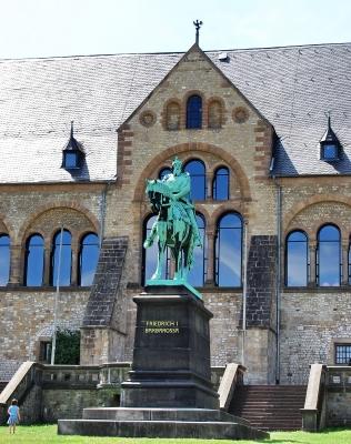 Kaiserpfalz mit Friedrich I. Barbarossa