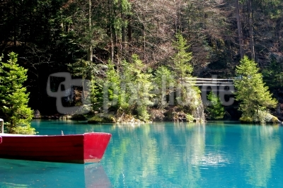 Blausee: Rotes Boot