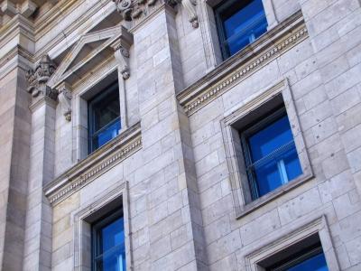 Fenster mit Himmelsblau