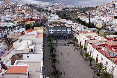 Die Plaza Santa Ana mit Rathaus