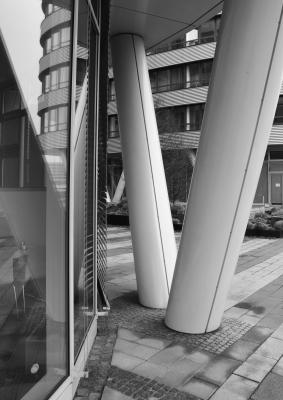 FiveShips-Säulen