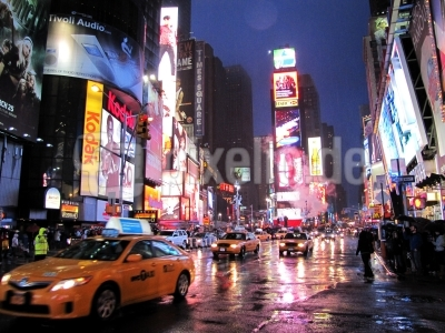 Times Square Regenabend mit Taxis