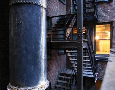 Innenhof mit Feuertreppe in NYC