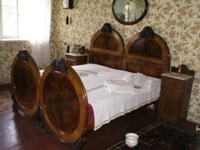 Kostenloses Foto: Antikes Schlafzimmer - pixelio.de