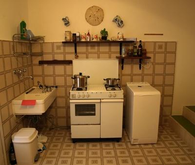 Kostenloses Foto: alte Küche mit Gasherd - pixelio.de