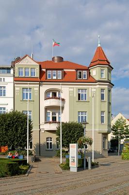 Rathaus von Bergen auf Rügen am Marktplatz