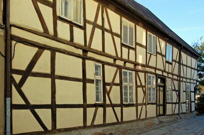 Renovierungsbedürftiges Fachwerkhaus in Bergen auf Rügen