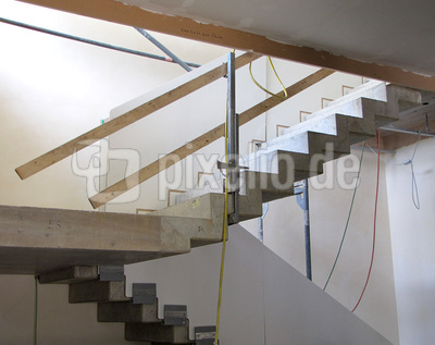 kostenloses foto bauen betontreppe im rohbau. Black Bedroom Furniture Sets. Home Design Ideas