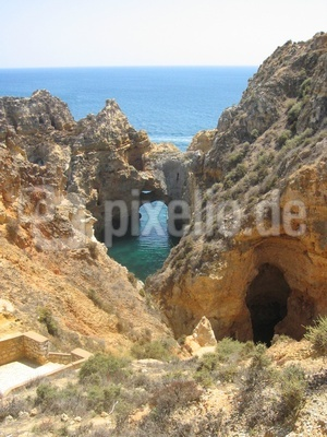 Küstenformation an der portugiesischen Algarve