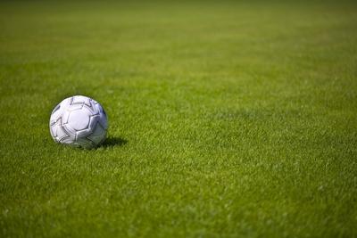 Rasen und Sommerfußball