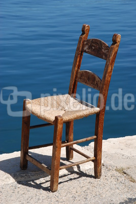 Stuhl am Hafen