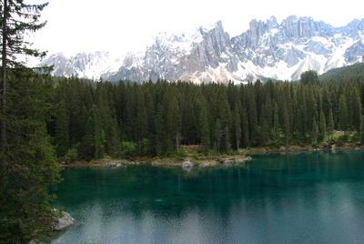 Der Karer See in den Dolomiten