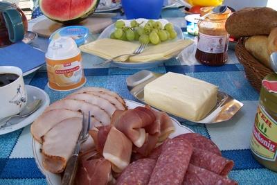 Urlaubsfrühstück