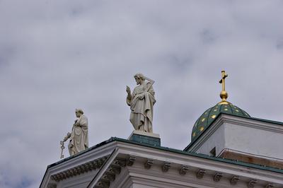 Apostel auf dem Dom in Helsinki