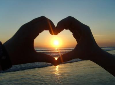 Unser Herz umarmt die Sonne