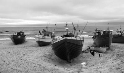 Fischerboote  in schwarz-weiß