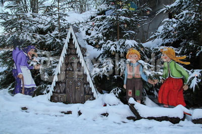 Hänsel & Gretel im Schnee