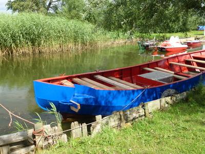 Boot am Ufer eines Sees in Warthe auf Usedom