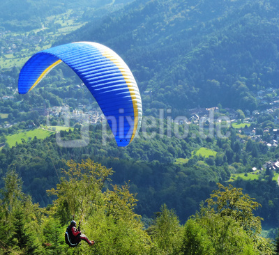 Gleitschirmflieger über Baden-Baden 1