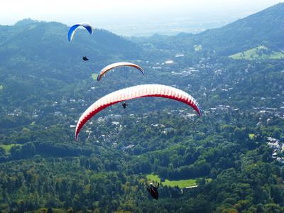 Gleitschirmflieger über Baden-Baden 2