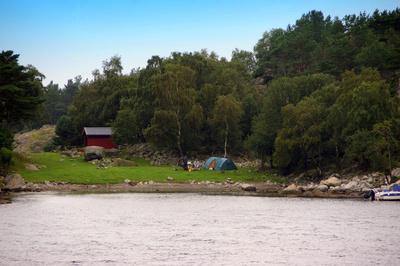 Zelten am Fjord