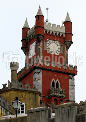 Gotischer Turm des Pena-Palastes