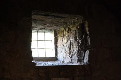Ausblick aus dicken Mauern
