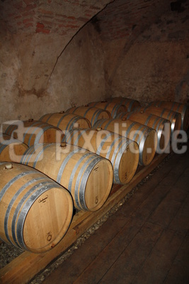 Weinfässer