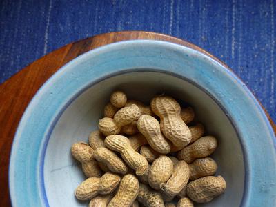 Erdnuss-Knabberzeit