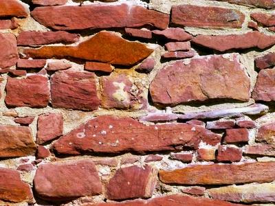 Sandsteinmauer mit Mörtel