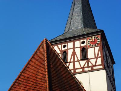 Dorfkirche um zehn Uhr