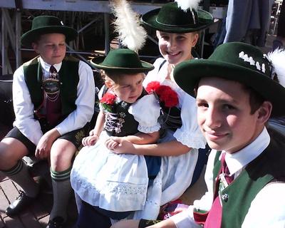 Kinder Trachtengruppe