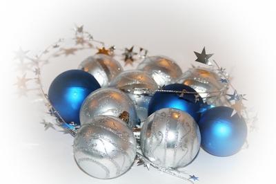 omas alte weihnachtskugeln