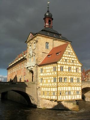 Das Alte Rathaus in Bamberg (kurz vorm Wolkenbruch :-)