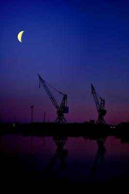 Der Mond hält wacht