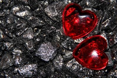 Herzen auf Stein