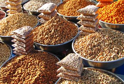 Nüsse, Mandeln, Pistazien auf dem Basar