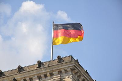 Fahne auf dem Reichstagsgebäude