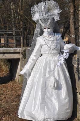 Hallia Venezia, Maske in weiß